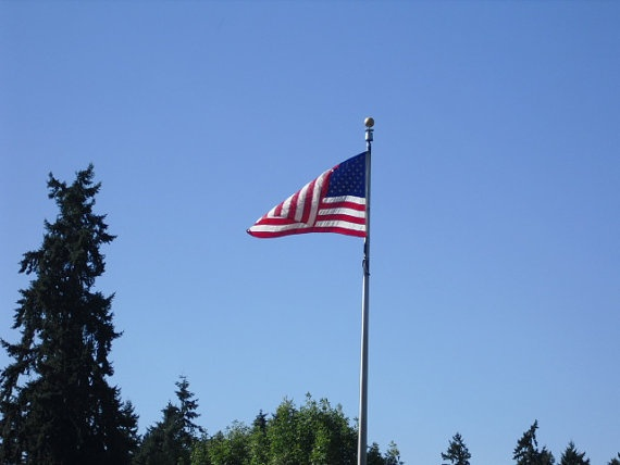 flying the american flag with other flags