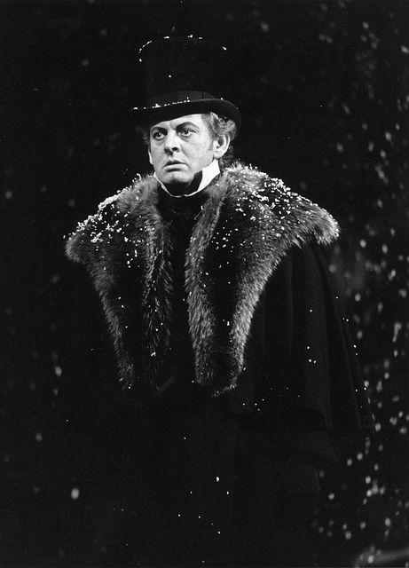 Sir Thomas Allen in Eugene Onegin (1986). Photo by Clive Barda. | opera