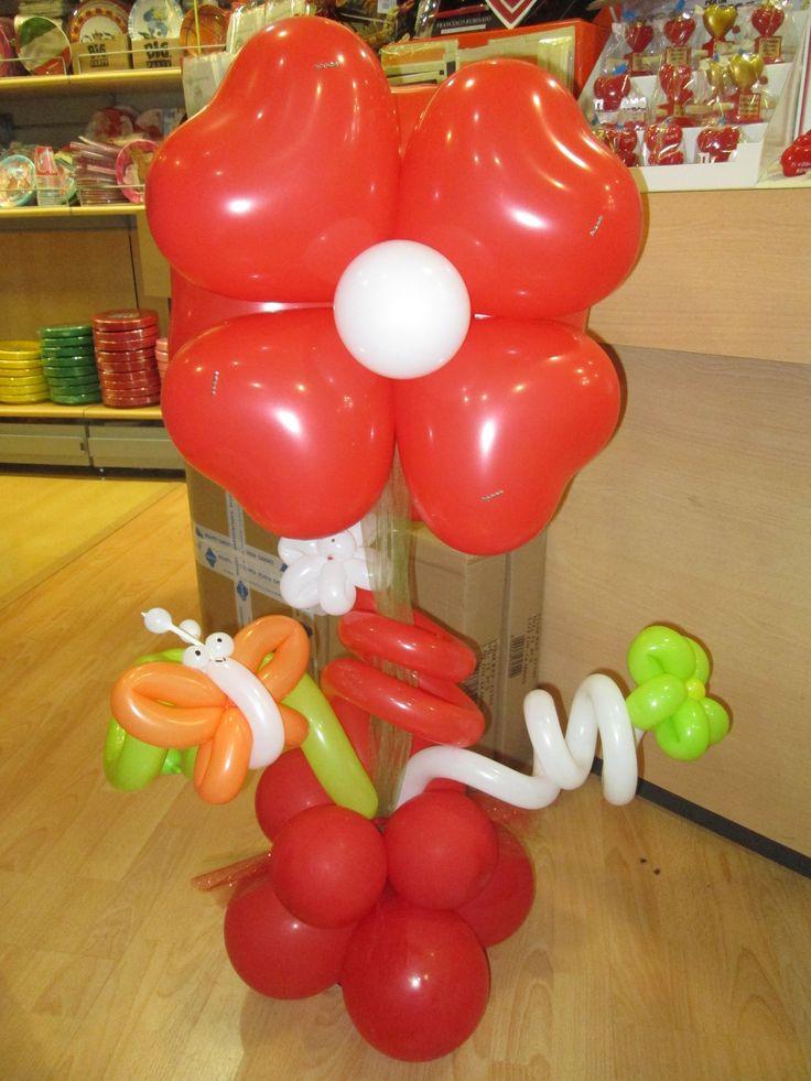 fiore con palloncini a cuore
