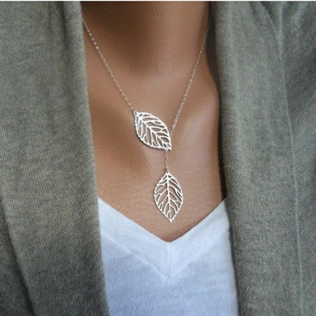 Leaf Necklace so delicate looking