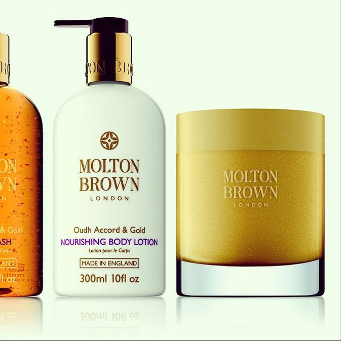 @moltonbrown in #RegentStreet is the perfect spot to stock up on those all important #Christmas #SecretSanta presents.
