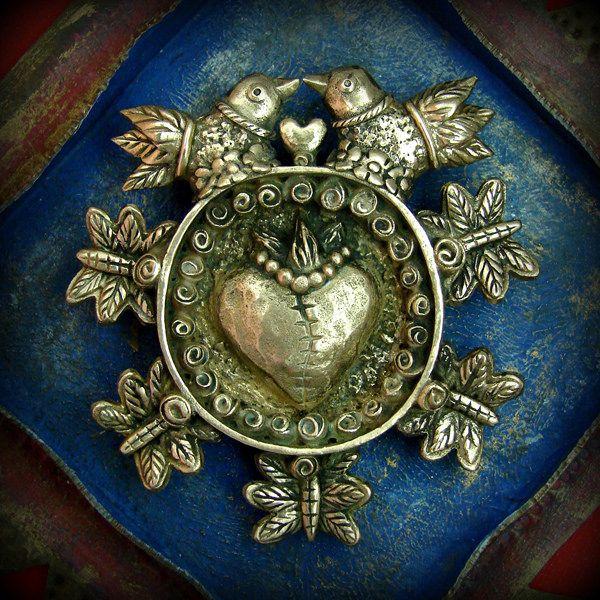 Eternal Love (brooch/pendant) - ©2014 Lorena Angulo - Bronze
