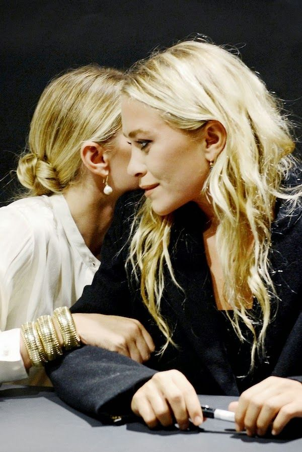 Sisters with beautiful hair Mary-Kate & Ashley Olsen