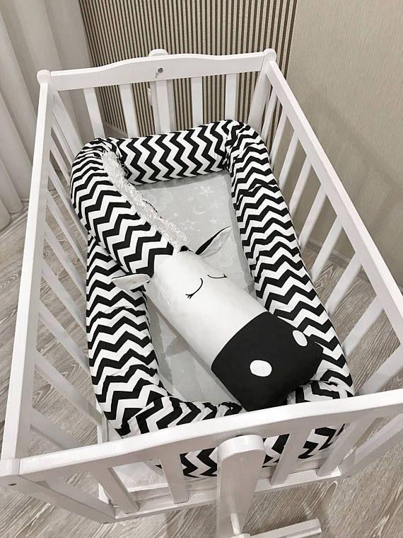 Custom order for nvejrostek Baby crib bumper ZEBRA