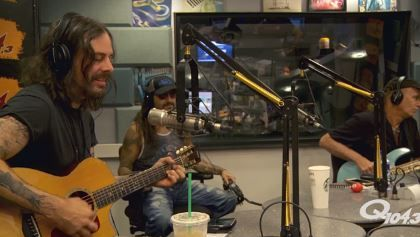 """THE WINERY DOGS At New York City's Q104.3: Video Interview Acoustic Performance THE WINERY DOGS At New York City's Q104.3: Video Interview Acoustic Performance         THE WINERY DOGS  recently took part in an interview and an acoustic performance of their song  """"Fire""""  at the studios of the New York City radio station  Q104.3 . Check out video footage below.         THE WINERY DOGS  is the power trio featuring drummer  Mike Portnoy (  DREAM THEATER   AVENGED SEVENFOLD   ADRENALINE MOB )…"""