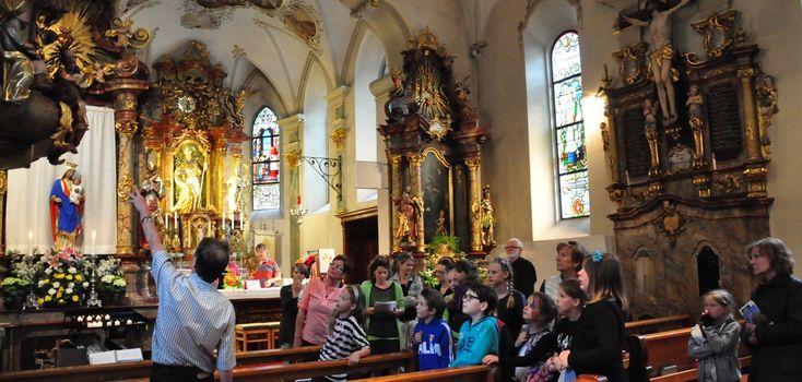 Im Nachtflug durch die (Kirchen)Landschaft — Katholische Kirche Vorarlberg