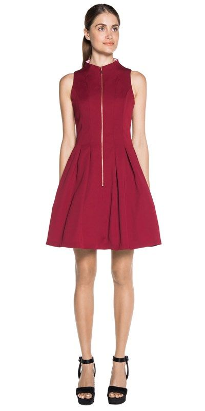 CUE - Sleeveless Zip Front Dress