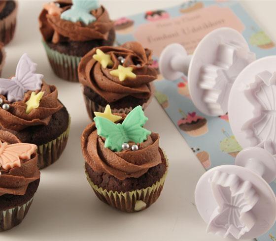 I Søstrene Grene har de masser af cupcake accessories...og det skal der selvfølgelig til