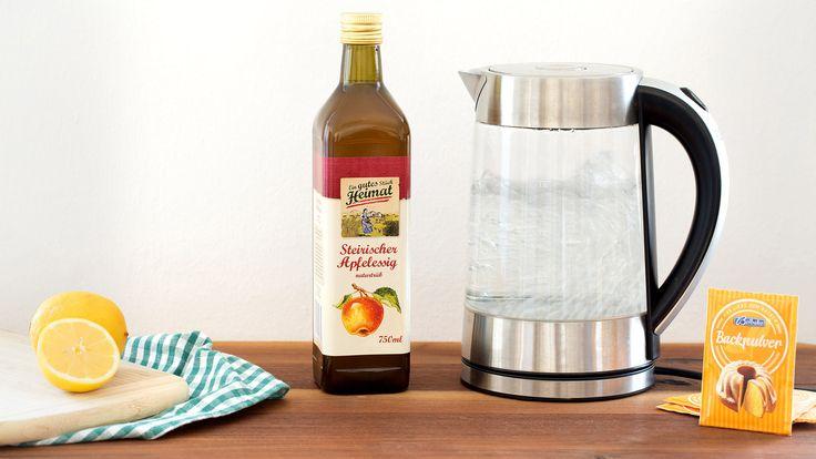 Wasserkocher mit Essig entkalken ✔ Zitrone als Wundermittel gegen Kalk ✔ Sprudelnde Sauberkeit dank Backpulver ✔ Zum Beitrag ➡ meinheimvorteil