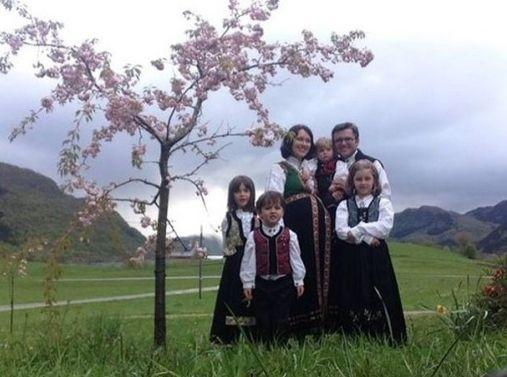 #StopBarnevernet: Lebih dari 100 pengacara tuntut PM Norwegia untuk mengembalikan anak-anak Kristen pada orang tua mereka; (Up-dated) Kabar sukacita
