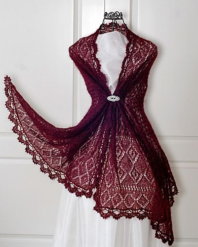 """What a gorgeous photo setup! Not to mention the shawl. Ravelry: Rectangle lace shawl """"Victoria"""" pattern by Rita Maassen"""