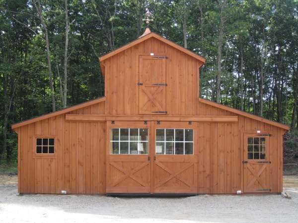 Monitor style horse barn horse barns pinterest horse for Small monitor barn