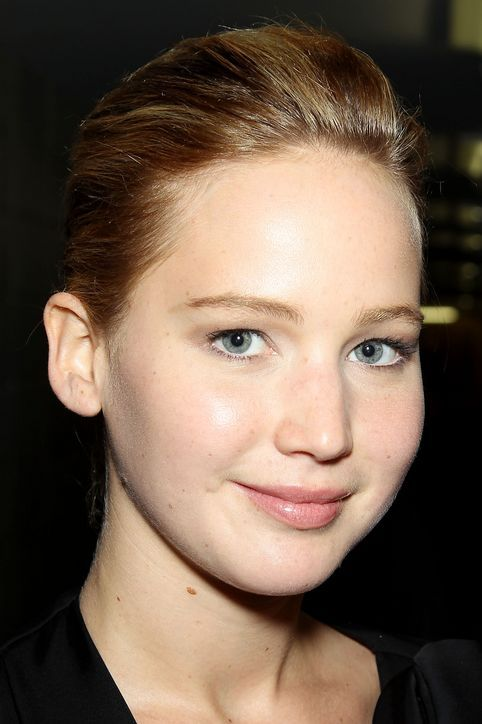 Jennifer Lawrence Wore Basically NO Makeup to the Great Gatsby Premiere!