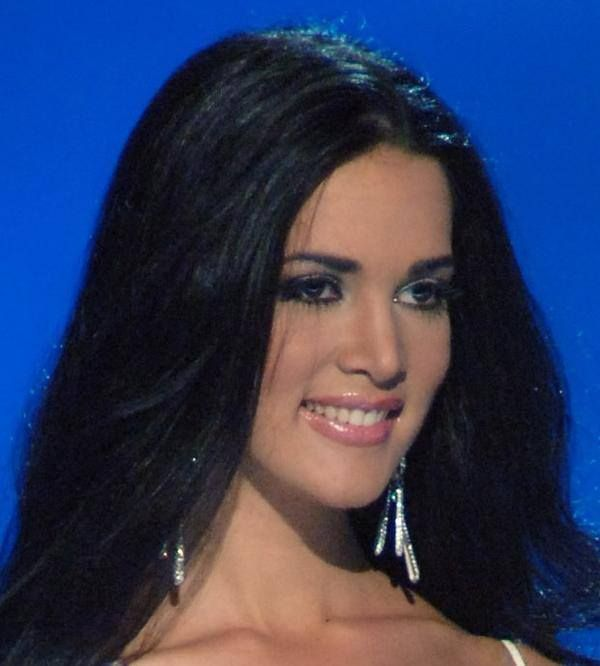 Monica spear..  La mas bella Miss Venezuela en la historia...