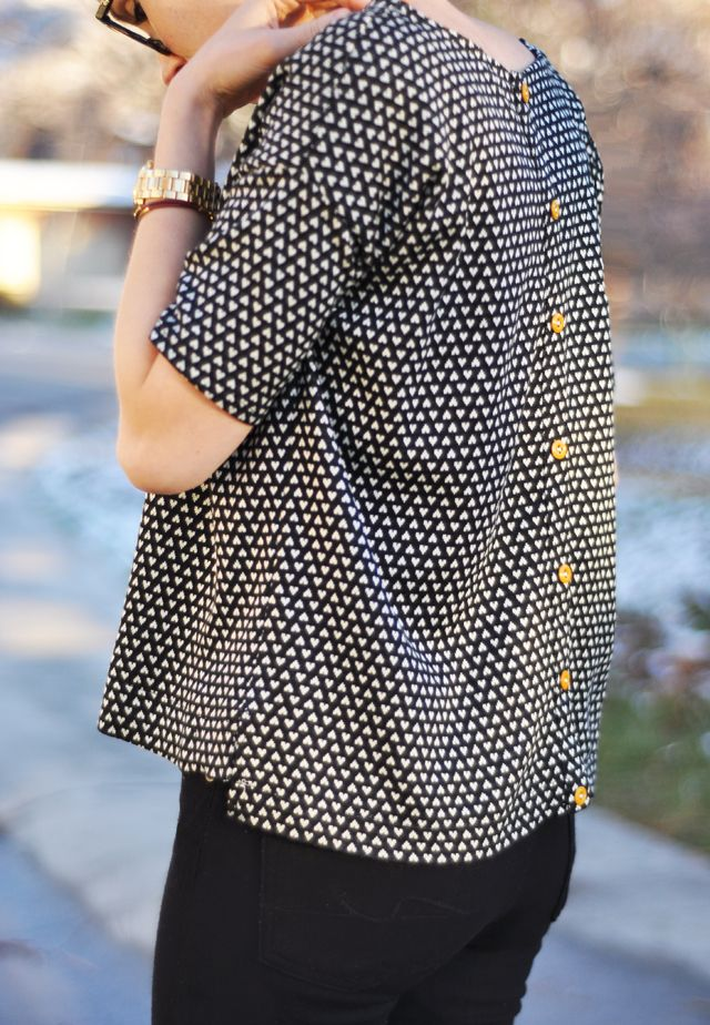 DIY: boxy top with buttons up the back - Free Sewing Pattern and Tutorial