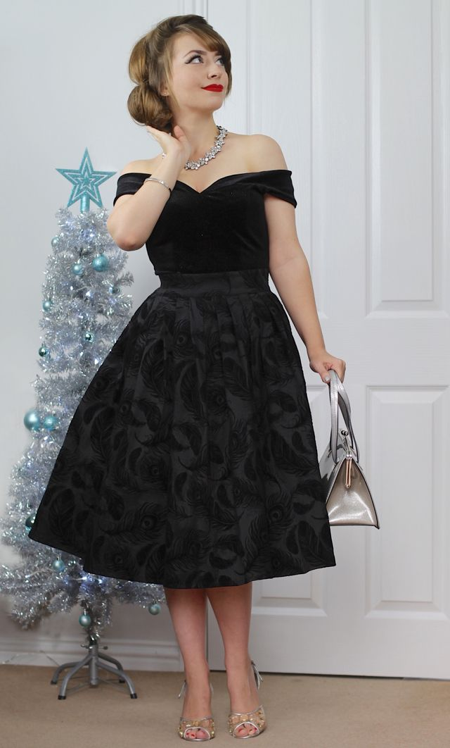An Audrey/50s inspired festive party outfit feat. a Happiness Boutique statement necklace