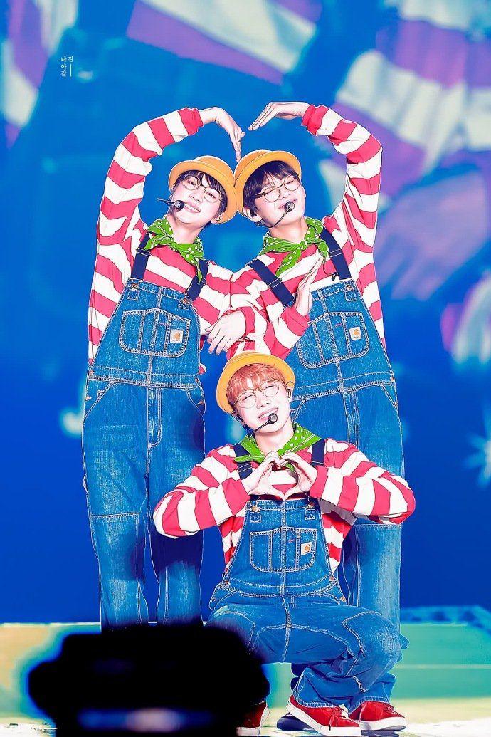 V, Jin e JHope BTS  ☆ *:… o (≧ ▽ ≦) o…: * ☆