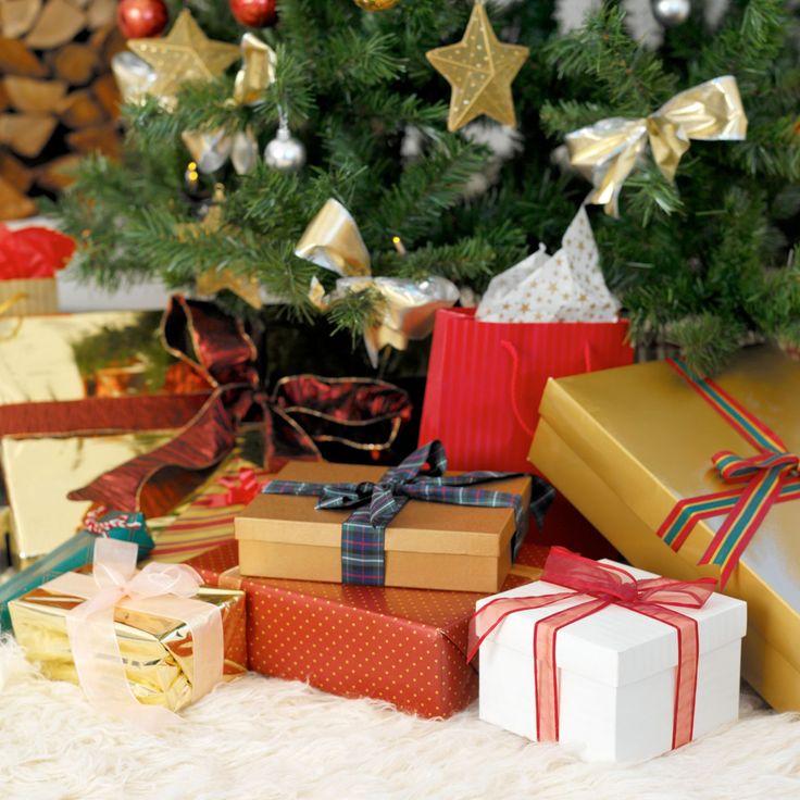 этом картинка гора подарков под елкой два года почти