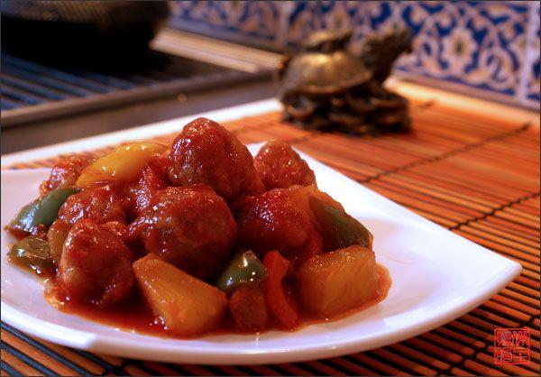 Китайская кухня - Свинина с ананасами в кисло-сладком соусе