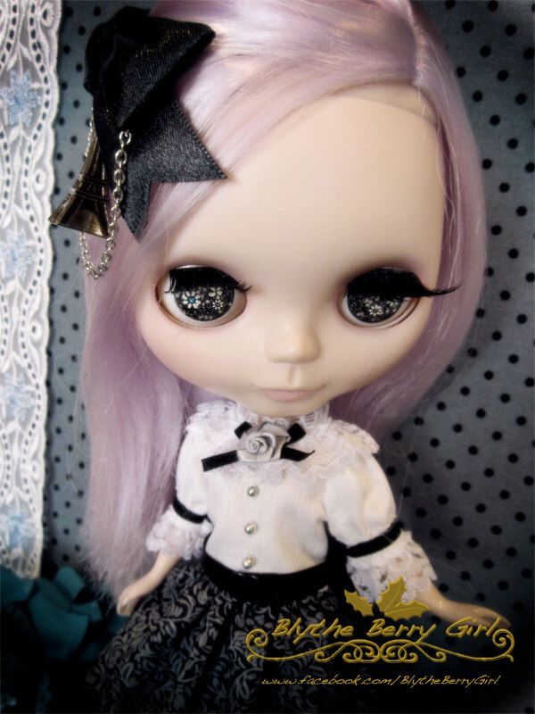 Blythe / Pullip mystery Paris Black Boutique sissy maid dress Outfit by BlytheBerryGirl on Etsy https://www.etsy.com/listing/156120026/blythe-pullip-mystery-paris-black