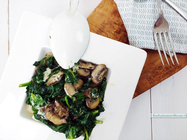 Heerlijk romige spinazie à la crème met extra eiwitten in de vorm van nootachtige kastanjechampignons en lekker zonnig gekruid met dille en tijm!