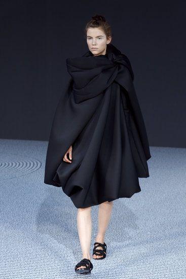Viktor & Rolf Paris Haute Couture Fashion Week | Fall 2013 Photo 6