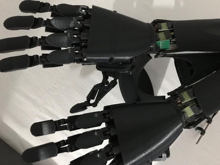 A shot very close . #bionic #robot #design #DIY #industrialdesign #prosthetics #instagood #3dprint #follow #3D #3dmodel #cosplay #cyborg #mechatronics #medical #beautiful #technology #amazing #style #cool #ironman #maker #arduino #RaspberryPi #mechanics #animation #look #instagood #selfie #love #inspiration