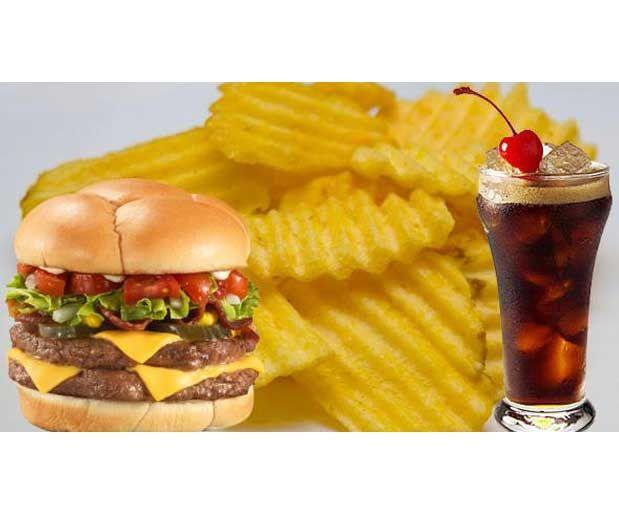 Bu Yiyeceklerden Uzak Durun!Yiyip içtikleriniz sağlığınızı doğrudan etkiler. Öğünlerinizde tükettiğiniz besinlerin ömrünüzü uzatıp uzatmadığı ya da sizi yavaş yavaş öldürüp öldürmediğini merak ediyorsanız…    Yazının Devamı: Bu Yiyeceklerden Uzak Durun!   Bitkiblog.com   Follow us: @bitkiblog on Twitter   Bitkiblog on Facebook