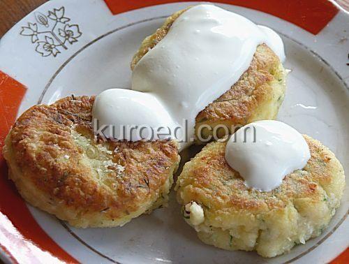 Картофляники с творогм или картофельные сырники с укропом и со сметаной