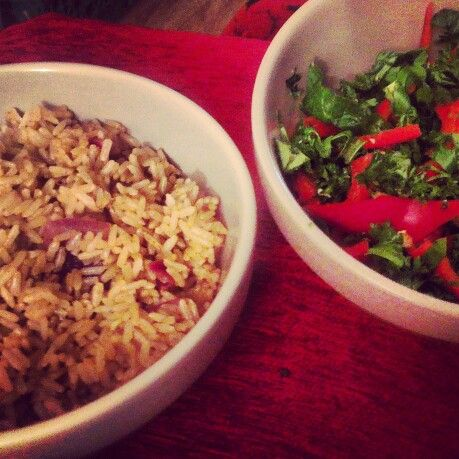 Another glimmer of proof that healthy vegan food isn't boring! Exquisite Moroccan-inspired spread of fragrant spiced lemon rice with a lemon-drizzled side-salad of spinach, parsley and my beloved sweet palermo red pepper. Feeling spoilt
