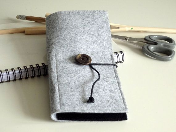 Felt pencil case two compartements grey black by lalunadianna