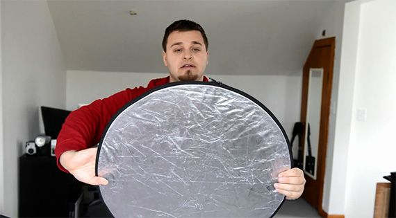 HOW TO FOLD A PHOTOGRAPHY REFLECTOR IN 4 EASY STEPS
