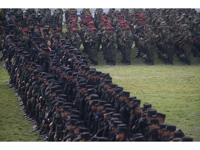 """""""Medidas extraordinarias de seguridad en El Salvador: ¿Pueden reducir la violencia en el país?"""" by Noemy Polanco and Harry E. Vanden"""