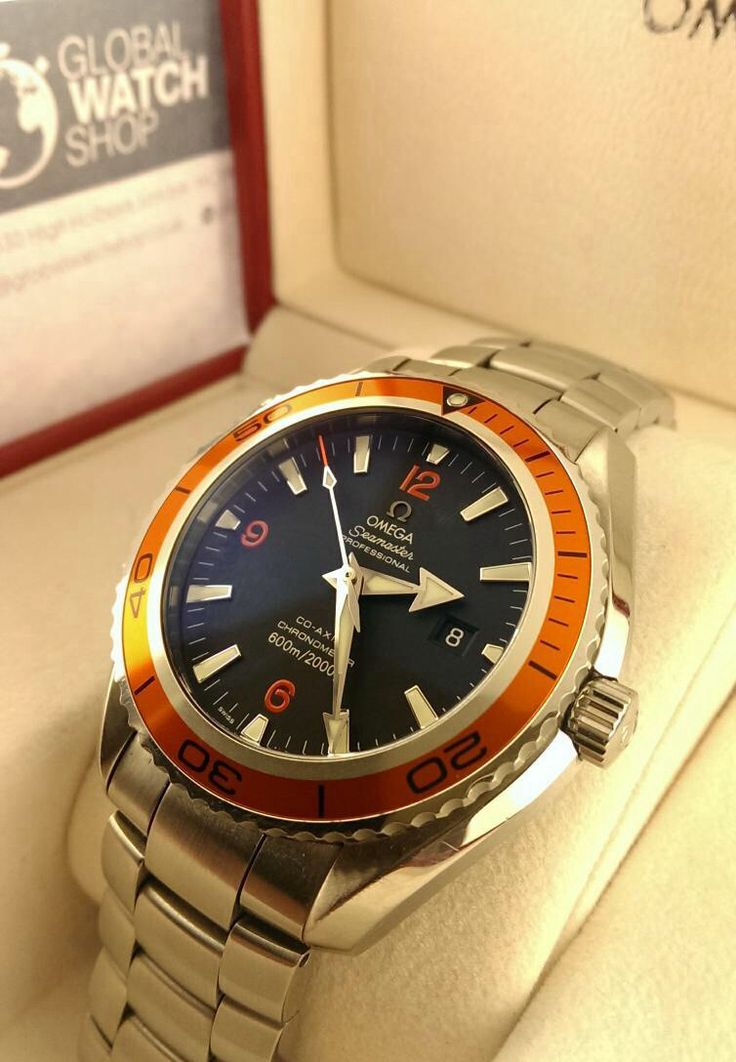 2010 Pre-owned Omega Seamaster Co-Axial Orange Bezel - Complete with 3 straps