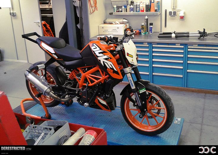 best 25 ktm 125 duke ideas on pinterest ktm duke ktm. Black Bedroom Furniture Sets. Home Design Ideas