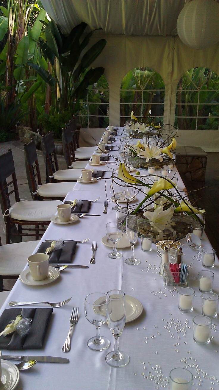The Grand Tradition, Fallbrook  stylish headtable centerpieces by Pamela Peterson created at michaelsflowergirl.com