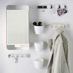 Fyll väggarna med smarta lösningar! GUNNERN spgelskåp, ENUDDEN handdukshängare för nycklarna, FINTORP magnetlist.