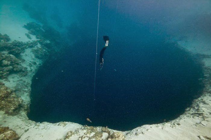 Голубая дыра Дина – самая глубокая голубая дыра на планете