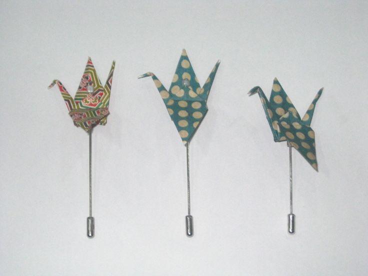 Origami Pin's Tsuru More info: https://www.facebook.com/oficinaa6shop