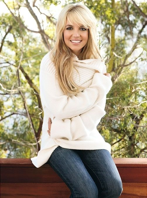Cute hair, cozy sweater and jeans. My favorite look