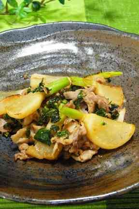 蕪と豚肉の柚子胡椒炒め