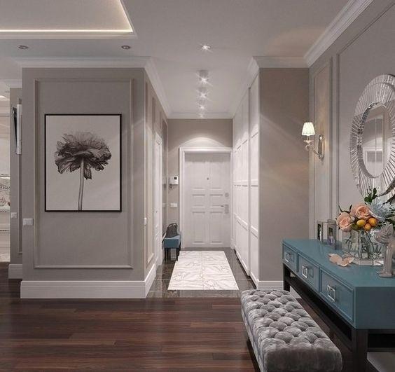Как создать впечатление объема с помощью света? Длинный, узкий, часто темный, коридор - комната, которая страдает от недостатка света и потому требует эффективного освещения. Такое положение вещей, конечно, делает ремонт затратным, но одновременно с этим превращает коридор в красивое, функцион...
