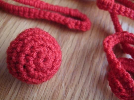 Crochet buttons ~ Tutorial ♡ Teresa Restegui http://www.pinterest.com/teretegui/ ♡