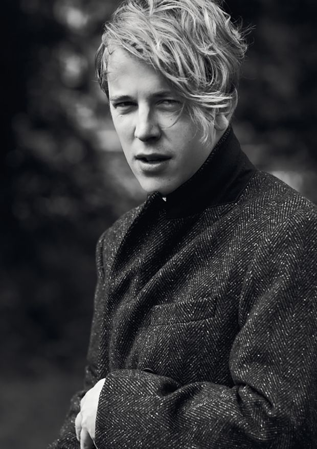 Cecilie Harris Photography captures British singer-songwriter Tom Odell in our Autumn/Winter 2016 Issue 'Imagined Songs'. Styling by David Nolan. Grooming by Jody Taylor at Premier. Tom wears a coat by Paul Smith. See a preview of Tom's cover feature: http://www.boysbygirls.co.uk/index.php/news/tom-odell-for-issue-11