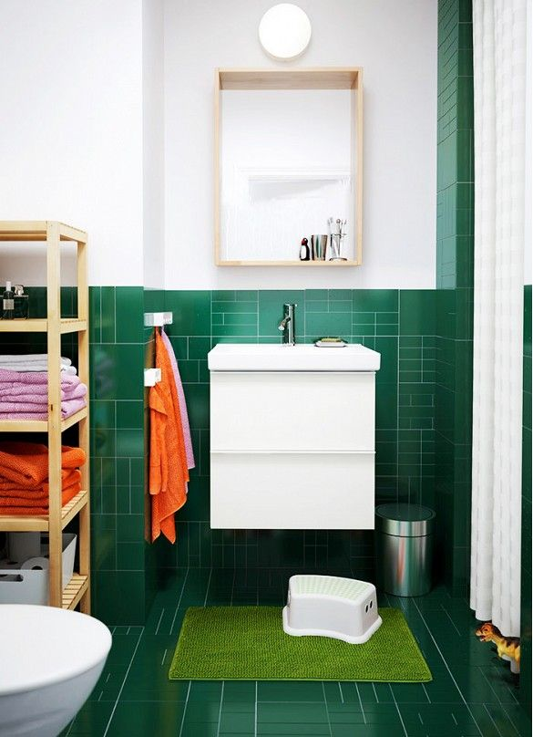 Emerald green bathroom images for Bathroom decor green walls