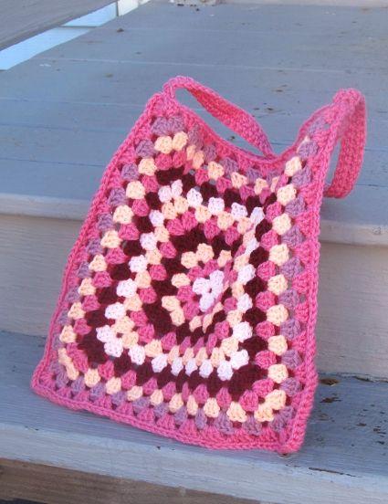 Dear Granny crochet granny square bag by Anastacia Zittel / anastaciaknits free pattern