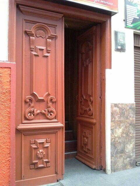 Puerta de una casa construida por Lucindo Espinoza