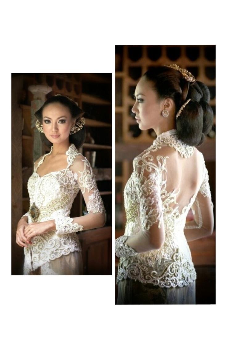 White elegance wedding kebaya
