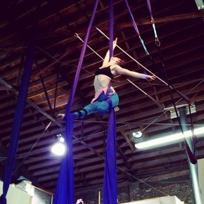 Name this song Upcoming workshops in bio ❤ Phoenix, AZ May 20-21 @verticalfix Verticalfix.com/schedule #aerialdesign #aerialsilks #aerialist #aerialistofig #strong #circus #cirque #cordelisse #circuseverydamnday #athletic #aerialrope #danzaaerea #tecidoacrobatico #полотна #воздушнАяГимнАстикА #aerial #aerials #aerialsilk