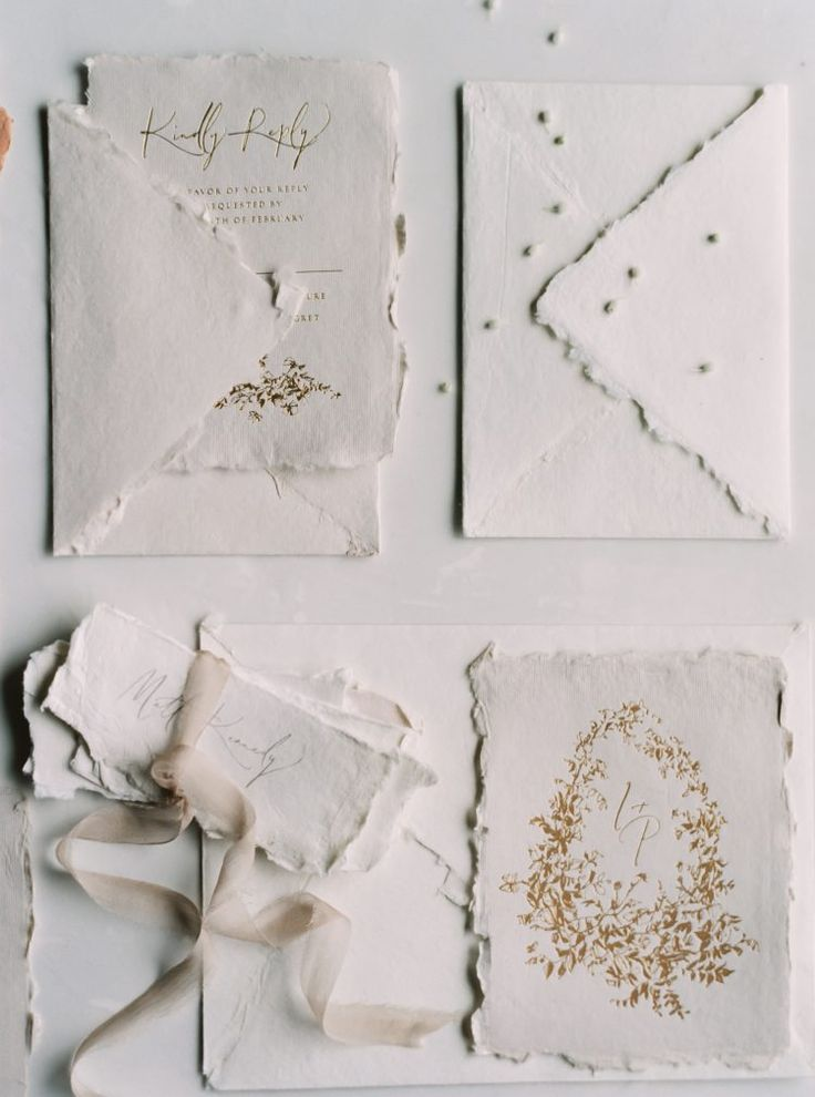 """The """"simplicity"""" of these wedding invitations is their genius!"""